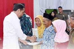 Jokowi Serahkan 3,800 Sertifikat Tanah untuk Warga Purworejo