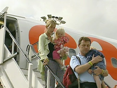 Madeleine McCann could not have died from an accident, nor from anything else, after 5.30pm on Thursday 3 May 2007 - Page 6 PLANE
