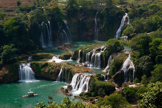 Excursiones Ban Gioc waterfall and enjoy song and dance festival
