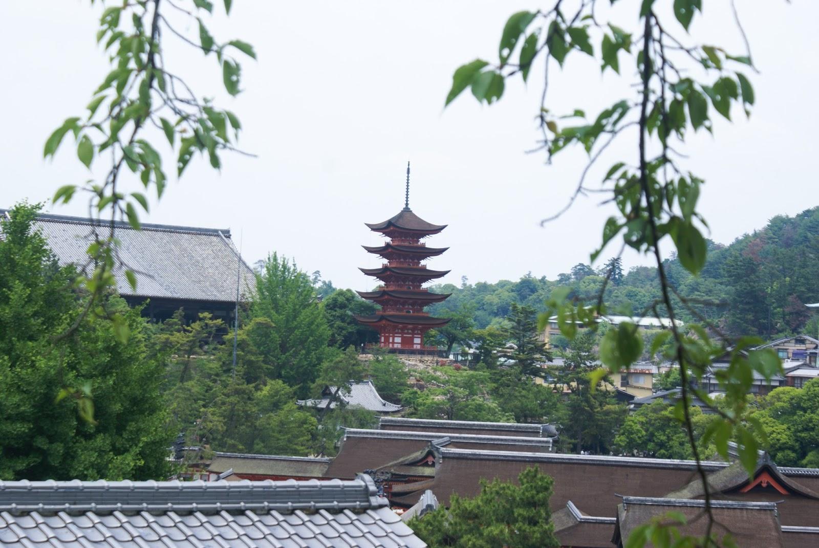miyajima itsukushima torii roof pagoda gojunoto japan