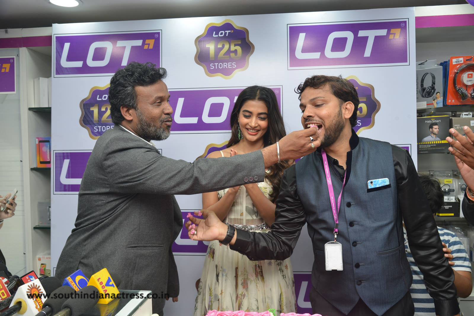 Pooja Hegde launches Lot Mobile Store in Vijayawada - South Indian