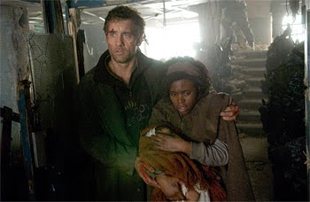 Clive Owen (Theo) et Clare-Hope Ashitey (Kee) dans Les Fils de l'homme, d'Alfonso Cuaron (2006)