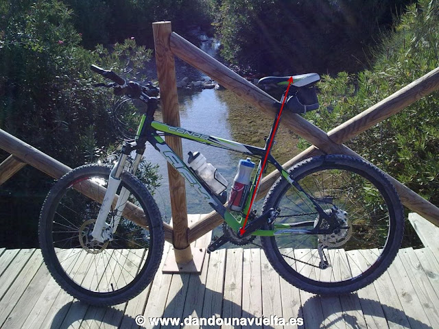 Medida para colocar bien el sillín de la bicicleta