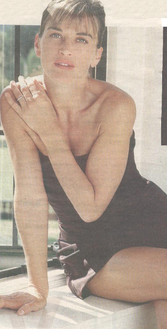 Amanda Pays Nude 60
