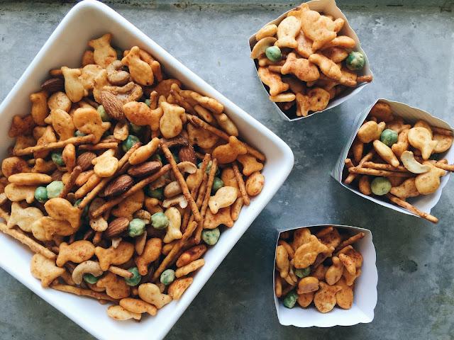 http://www.aglimpseinsideblog.com/2016/09/smoky-cheddar-wasabi-snack-mix.html