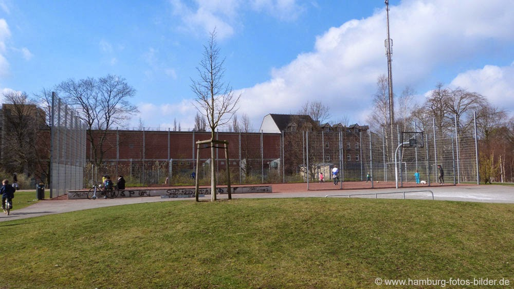 Bolzplatz Hamburg, Basketballkorb für Streetball in Hamburg