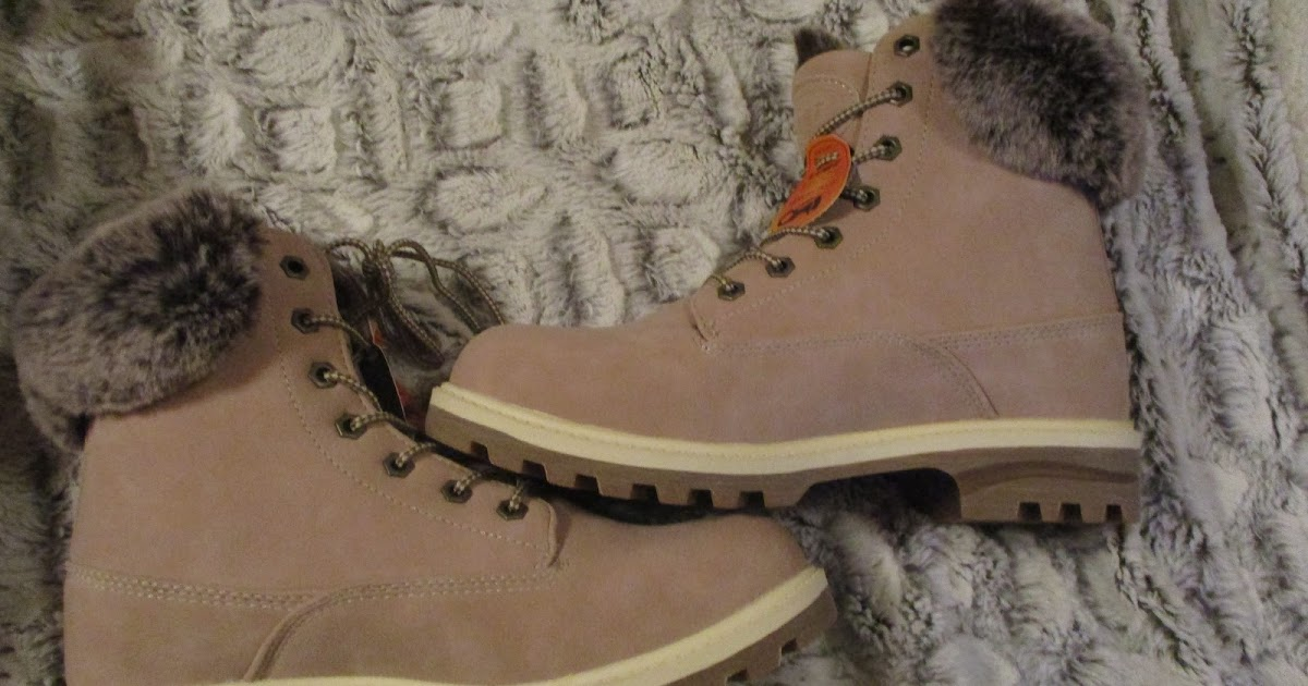 04ae3a7c2270 Missys Product Reviews   Lugz Woman s Empire Hi Fur 6-Inch Boot in Soft  Pink Bone Gum Holiday Gift Guide 2018