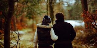 Το σημάδι μιας υγιούς σχέσης είναι να μην υπάρχει ίχνος της στο Facebook