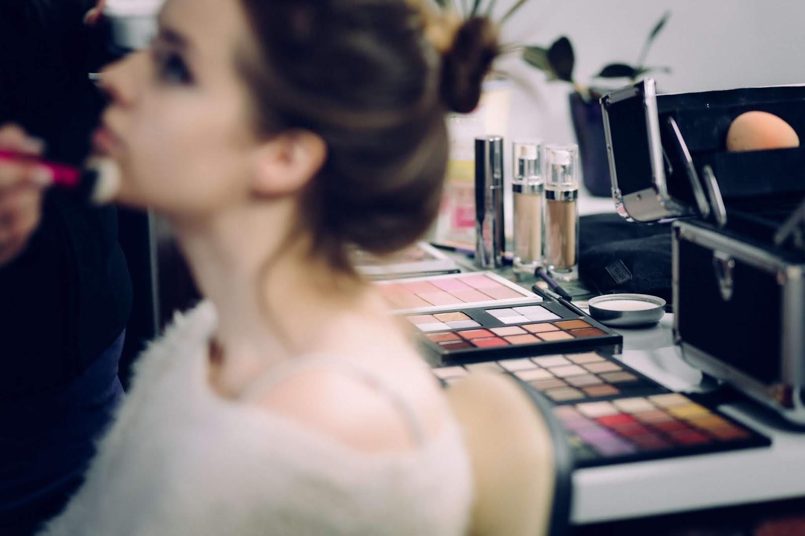Como saber seu tom de base para seu tom de pele