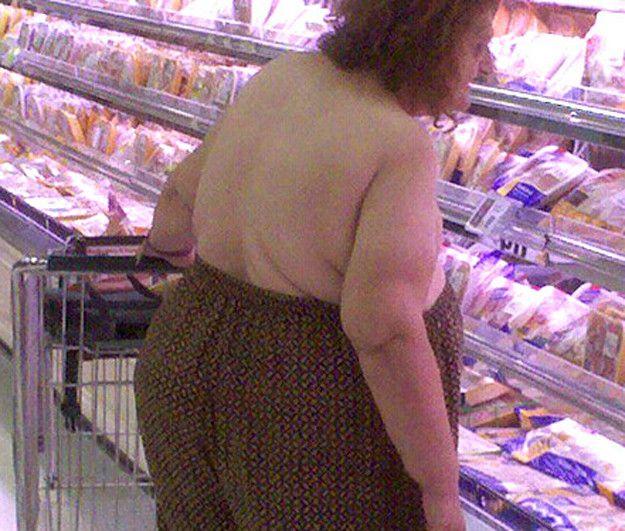 20 extrañas fotografías que prueban que la gente que va a Walmart es aún más extraña