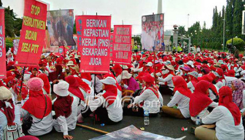Bidan PTT dan Honorer Kompak Menolak Dijadikan PPPK