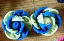 keronsang zip, blue & yellow flower
