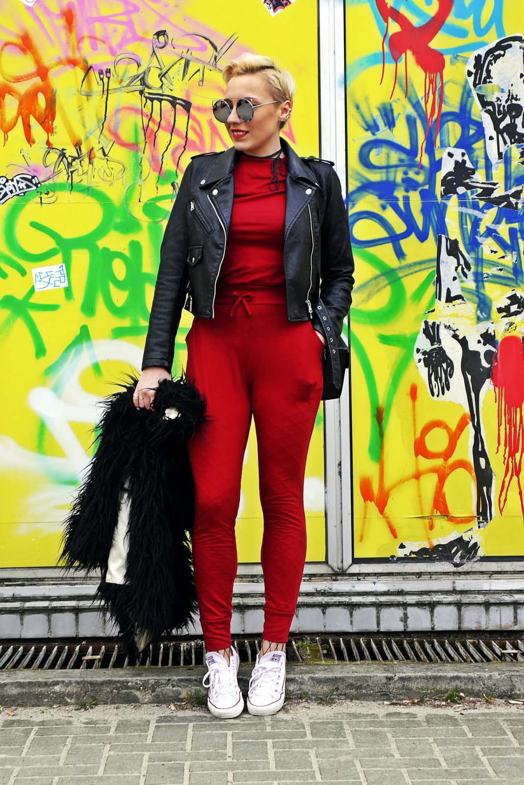 burgundy_jampsuit_black_biker_jacket_ootd_look_karyn_blog_280317