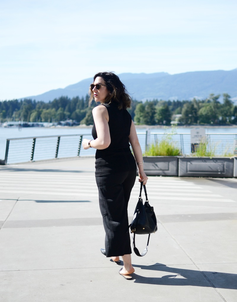 Le Chateau high waist culottes and mock turtleneck top perfect summer office look Vancouver fashion blogger