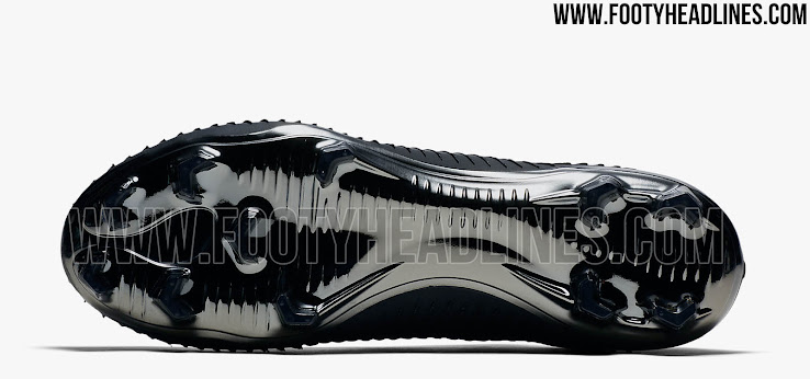 34d2c03e60 All-New 'Stealth' Nike Flyknit Ultra Football Boot Released - Leaked ...