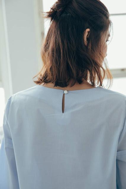 小屋夢鏡v領造型袖上衣-天空藍