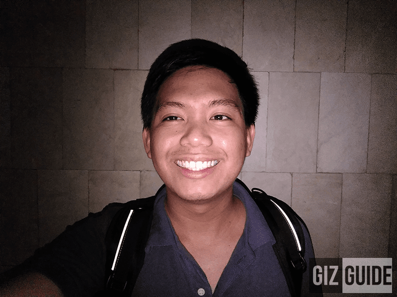 Selfie with the use of its impressive flash