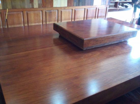 Chất liệu gỗ gụ mật