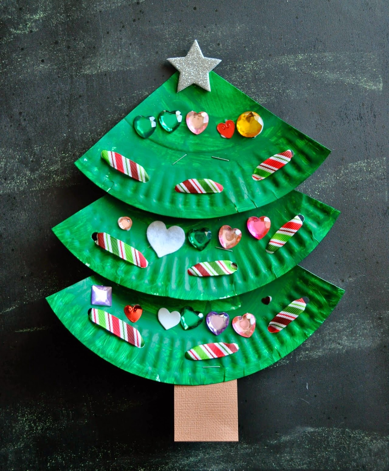 Paper plate for Christmas craft ~ Creative Art and Craft Ideas