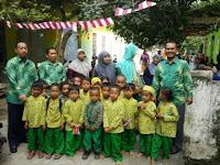 Siswa Madrasah Ini Terpaksa Bersekolah di Gubuk Sebelah Kandang Ayam