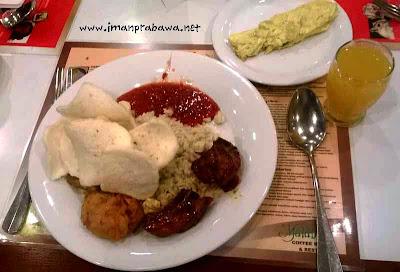 Makan Pagi Di Hotel Jatinangor Bandung