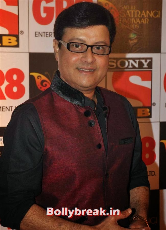 Sachin Pilgaonkar, Evelyn, Raveena & Tv Babes at Sab Ke Satrangi Parivaar Awards 2014
