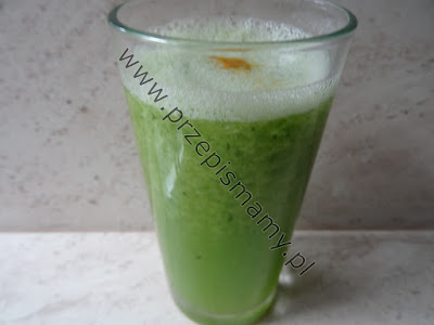Zielony koktajl z cukinii