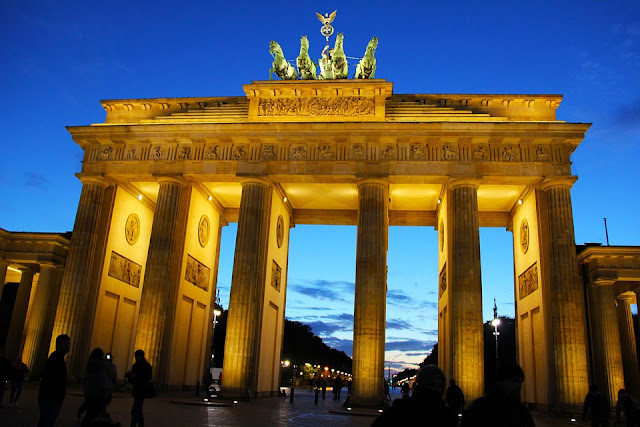 brandeburger gate in berlin, one of the most famous attractions in berlin