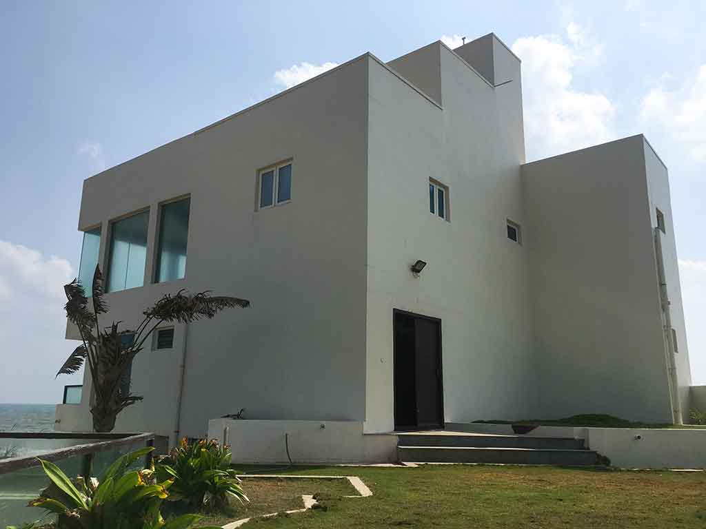 best private infinity beach house in ecr
