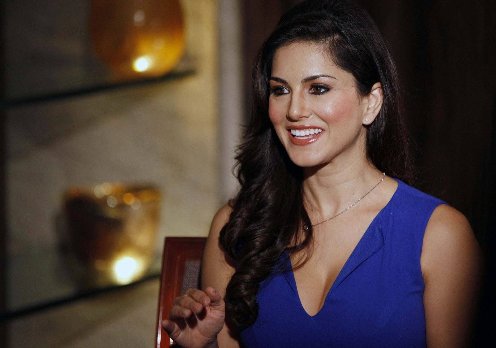 latest garam gossips and newsbreaks from bollywood and hollywood