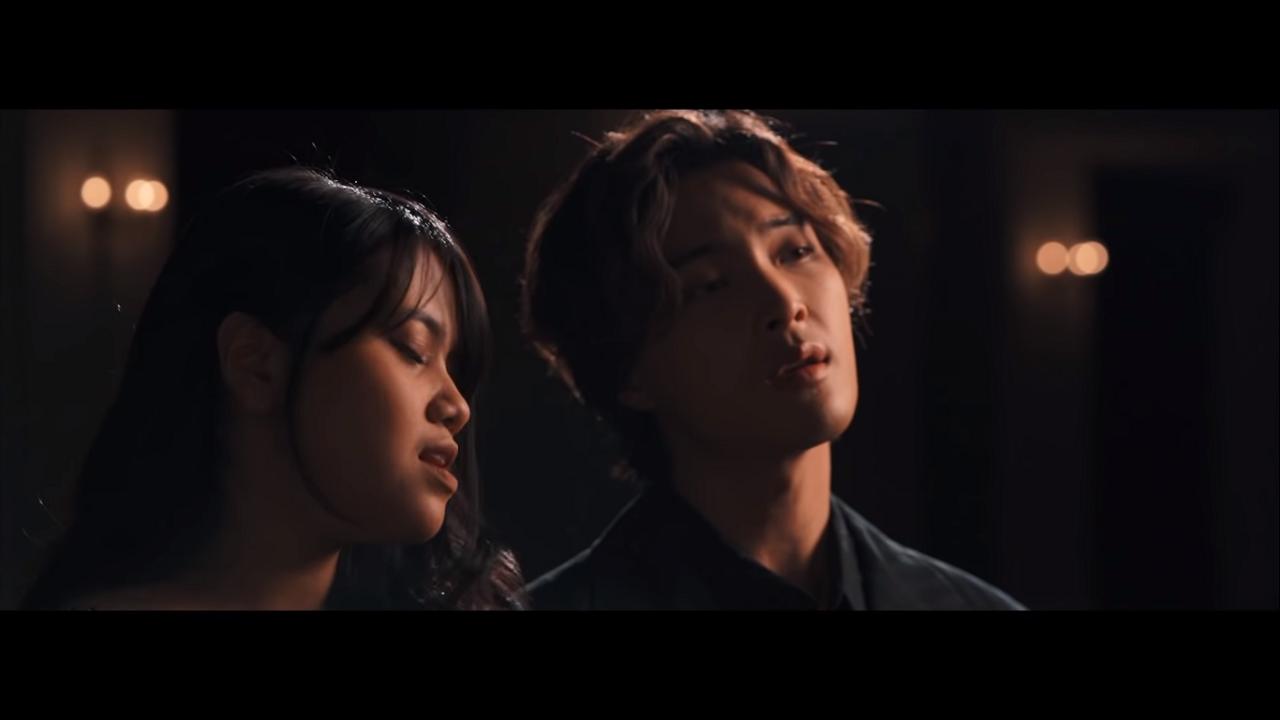 Arti Terjemahan Lirik Lagu Hanin Dhiya - Where Is The Love