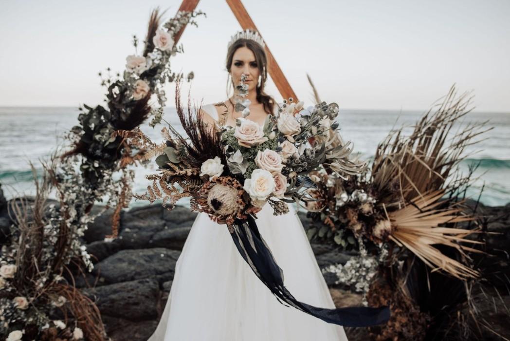 STYLED: COASTAL CLIFFHANGER | WEDDING INSPIRATION NORTHERN NSW