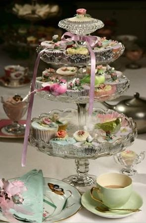 wedding cake stand hire gloucestershire aspirational weddings the utterly cafe 25620