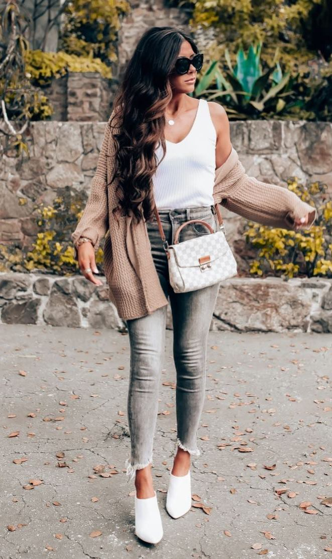 casual outfit inspiration / white top + nude knit cardigan + grey jeans + bag + white boots