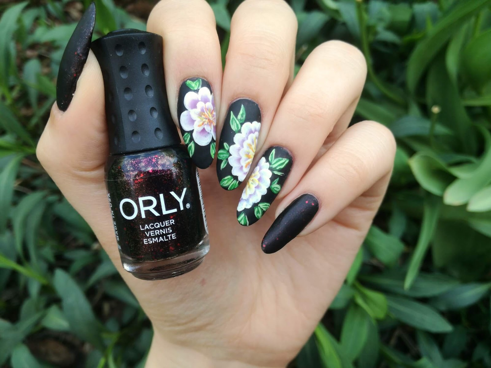 kwiatowe paznokcie