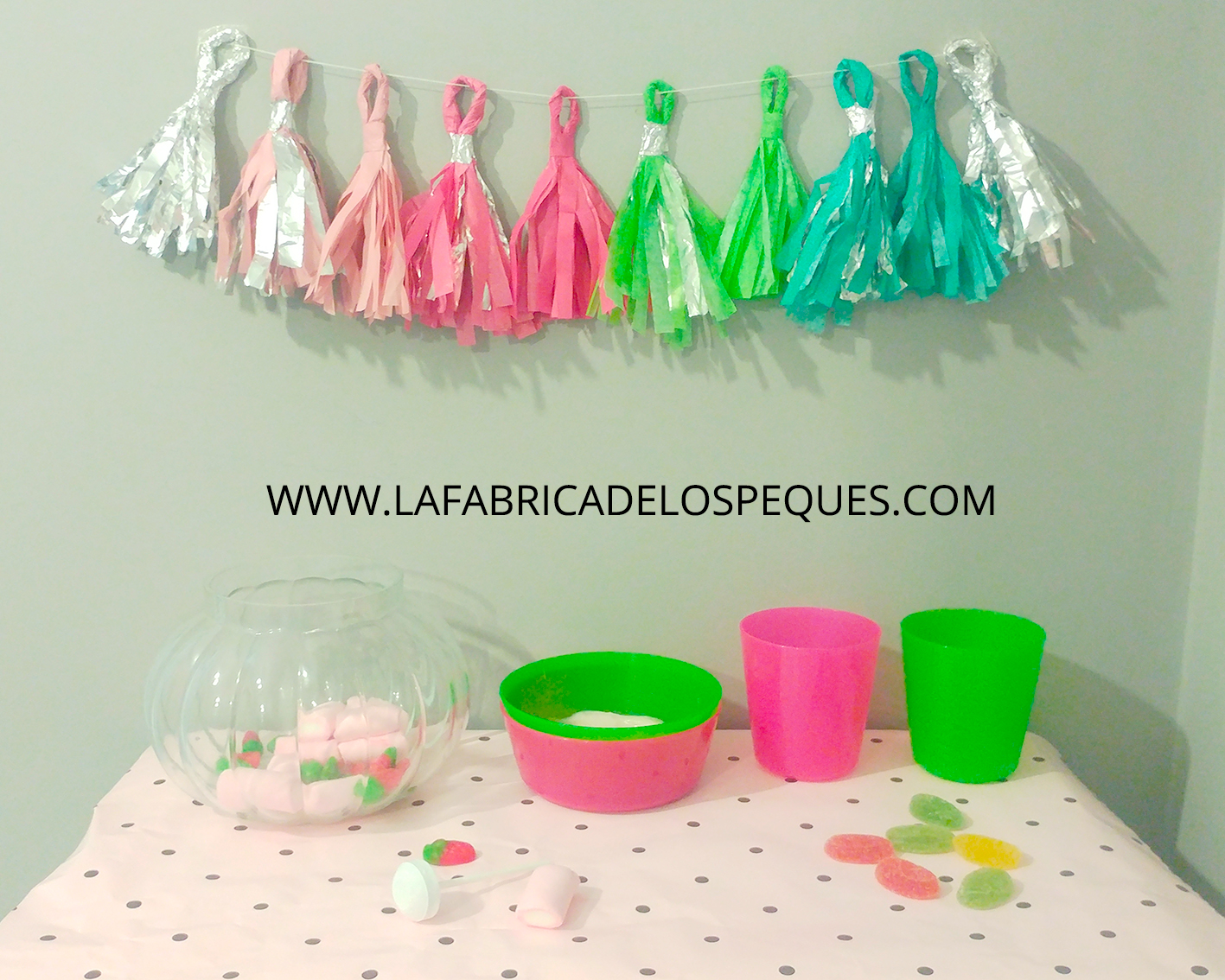 Borlas de papel seda y aluminio para fiestas - La fábrica de los peques