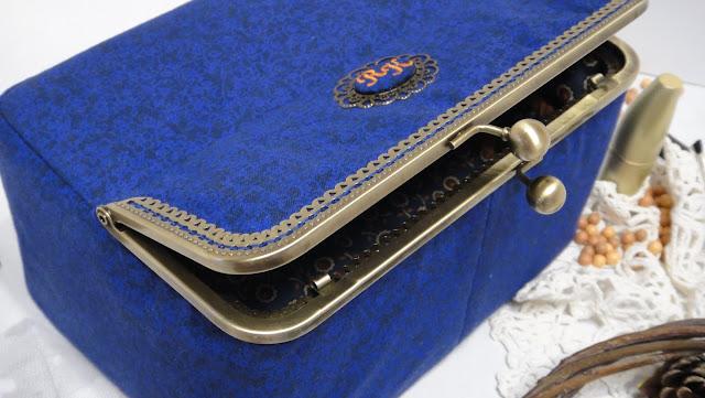 Косметичка настольная - подарок женщине, подарок девушке, персональный подарок. Синяя шкатулка для украшений, шкатулка для косметики