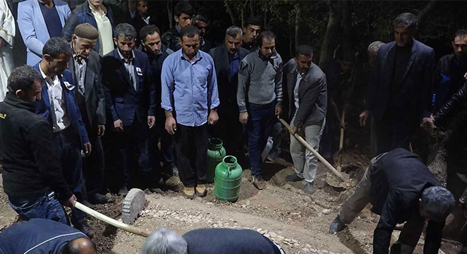 Silvan'daki PKK saldırısında yaralanan korucu defnedildi