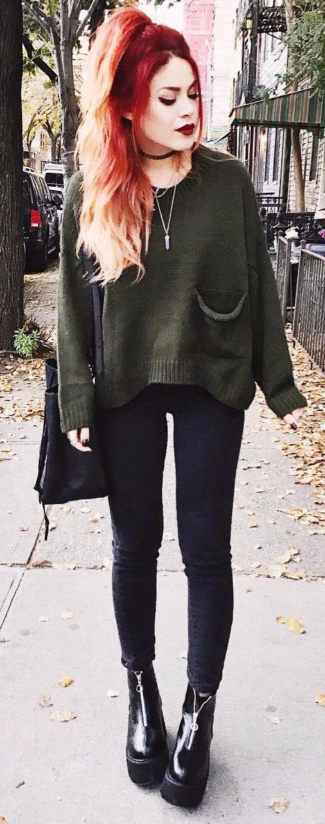2017 street style _ olive green knits + jeans