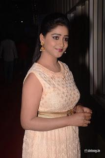 Aishwarya-Stills-at-Kabali-Audio-Launch