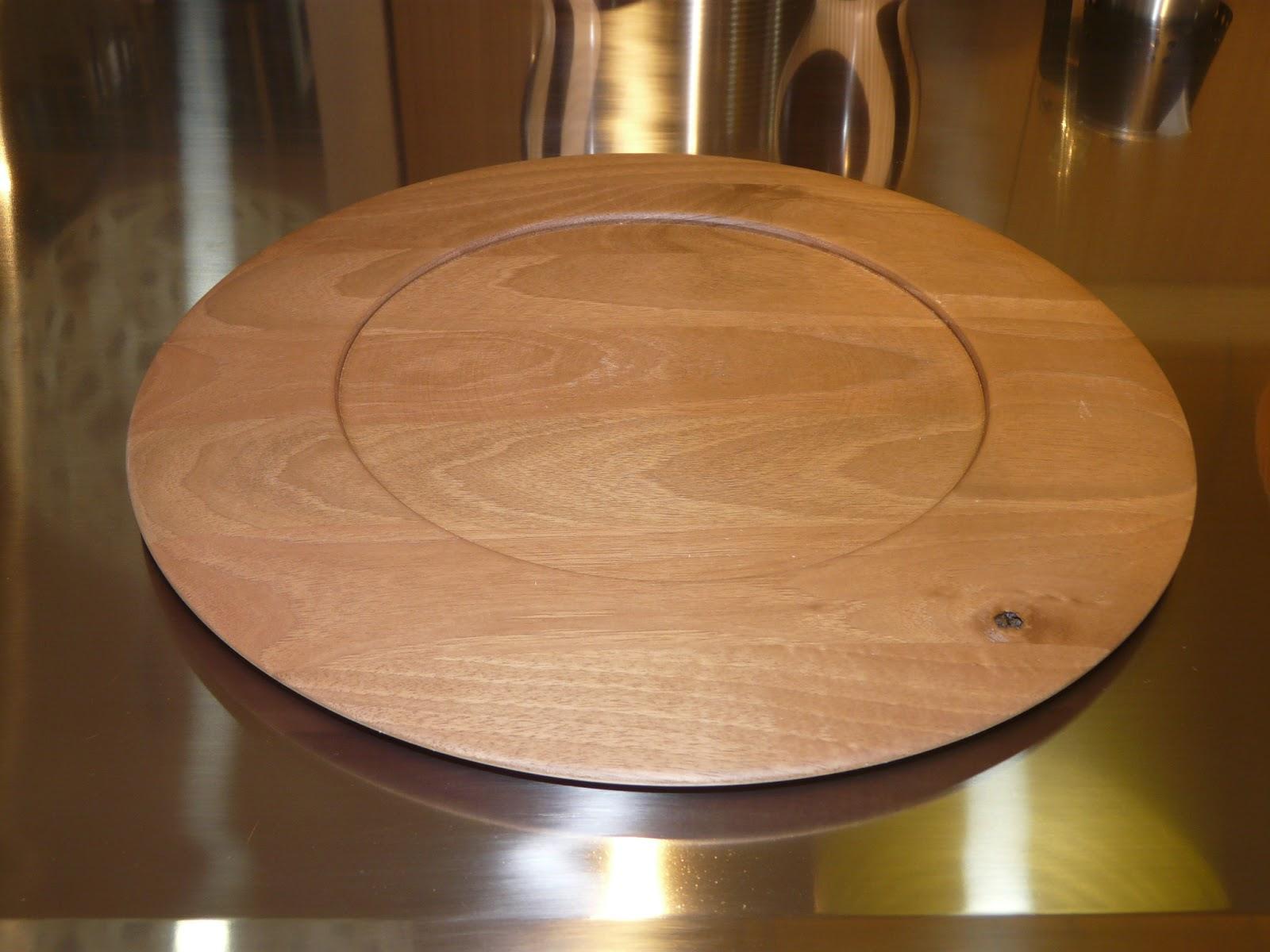 Idee regalo in legno sottopiatti in noce for Siti di oggetti in regalo