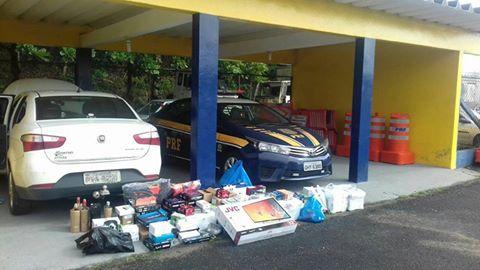 PRF apreende produtos importados ilegalmente em Registro-SP