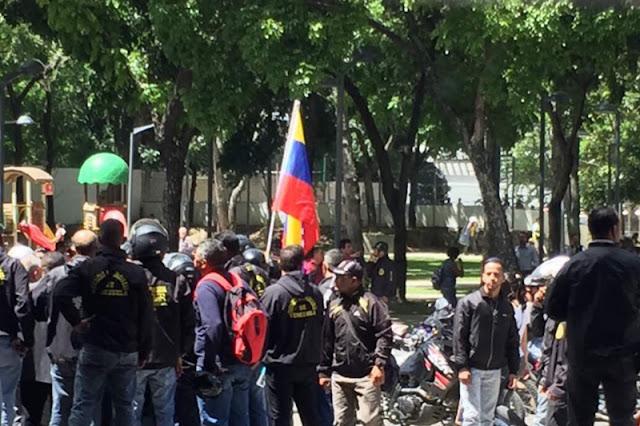 """¡ATENTOS! Colectivos radicales quieren desobedecer a Padrino López y discuten """"macabros"""" planes"""