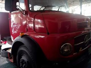 Dijual Truk Tua MercedesTruck Bagong 1977
