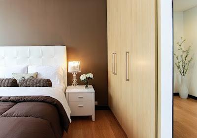 Chambre à coucher d'adultes