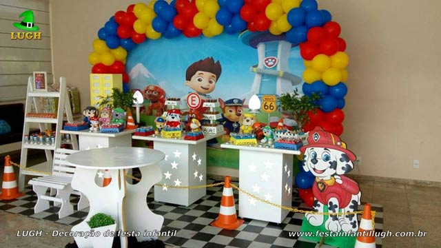 Decoração mesa de tema Patrulha Canina provençal - Festa de aniversário infantil