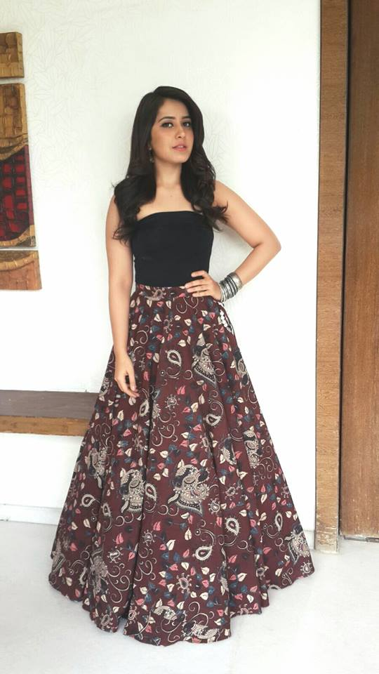 Rashi Khanna Photos In Black Color Dress