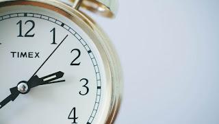 Filsafat (03) Hanya Manusia yang Mempunyai Waktu