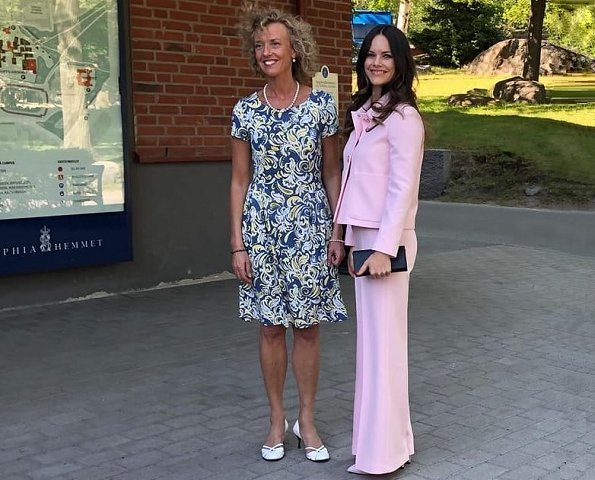 Princess Sofia wore SAND Copenhagen Briani Jacket and Yasna Trousers, and UFO Shoes, and carried carried UFO clutch at Medals of Merit ceremony