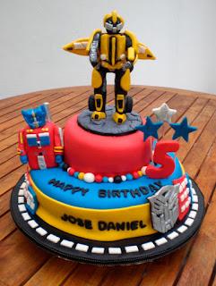 Bolo Festa Transformers